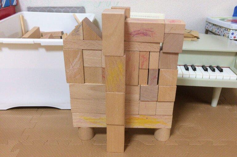 2歳の子どもの積み木遊び - マンション