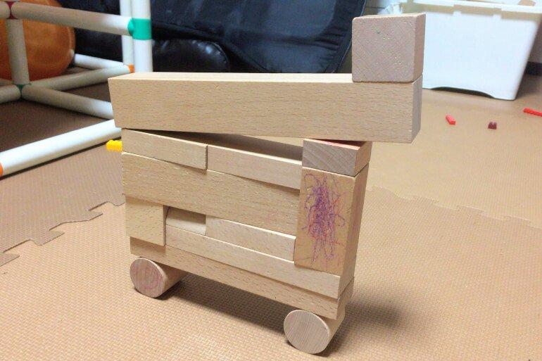 子供の積み木遊び3歳 - はしご車