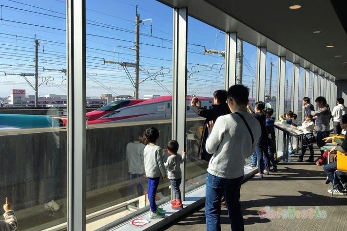 鉄道博物館駅(大宮)3階新幹線ラウンジ